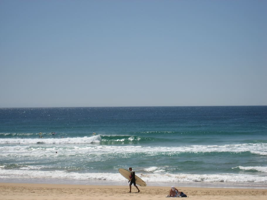 30 seconds to Manly Beach