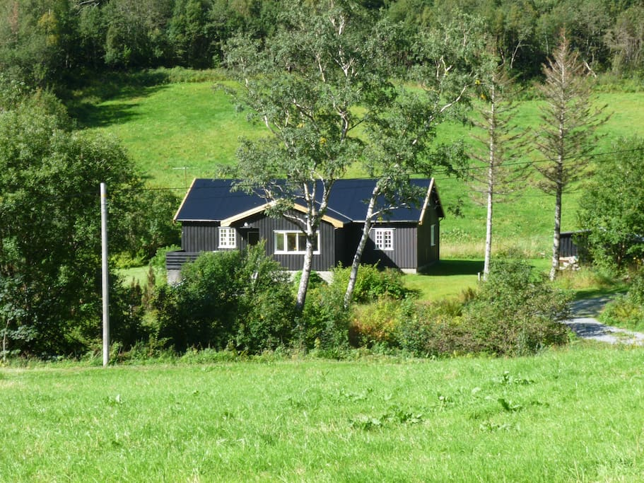 sunndal dating site Sea kayaking around smøla sunndal alps is enormous and lots of safe area for ski touring with a one of nordmøre's oldest stone churches dating from c 1190.