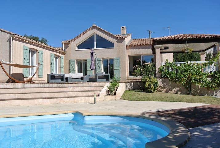 Belle villa avec jardin et piscine  - Puéchabon - Villa