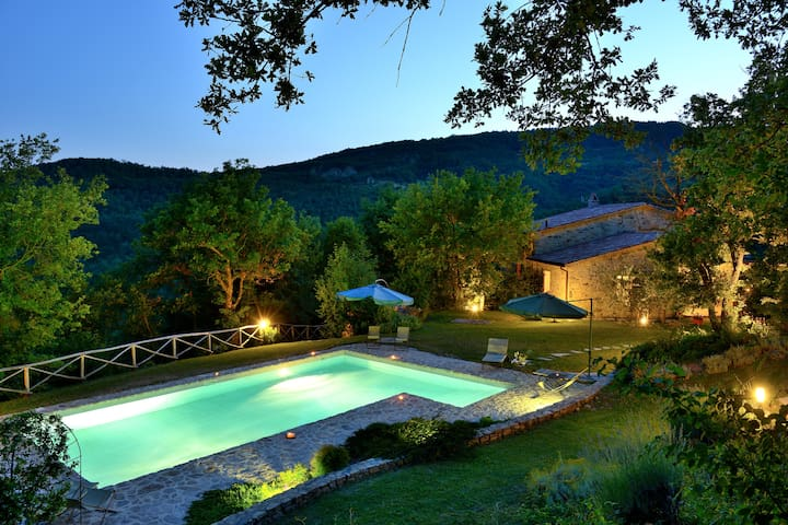 Villa with private pool in Umbria - Umbertide - Huvila