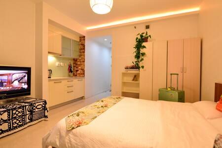 地铁站附近  iMoma公寓温馨一居室整租,独立卫生间,可做饭 - Пекин