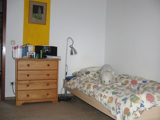 Zimmer Studenten & die Wiesn - Karlsfeld bei München - Дом