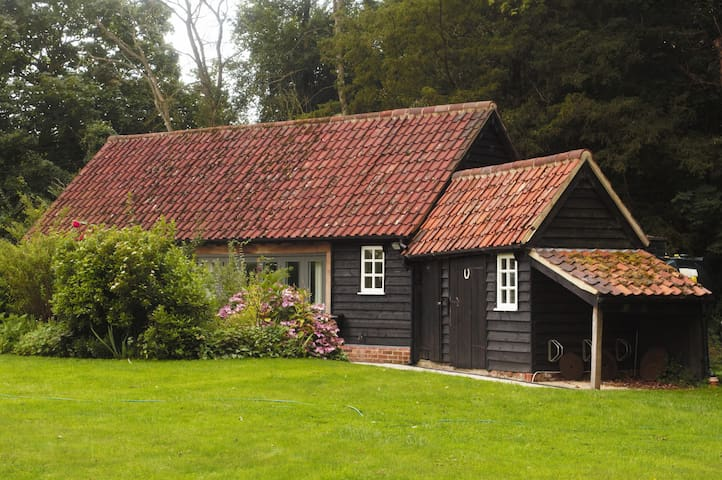 The Garden Annexe - Keepers Cottage - Castle Hedingham - House
