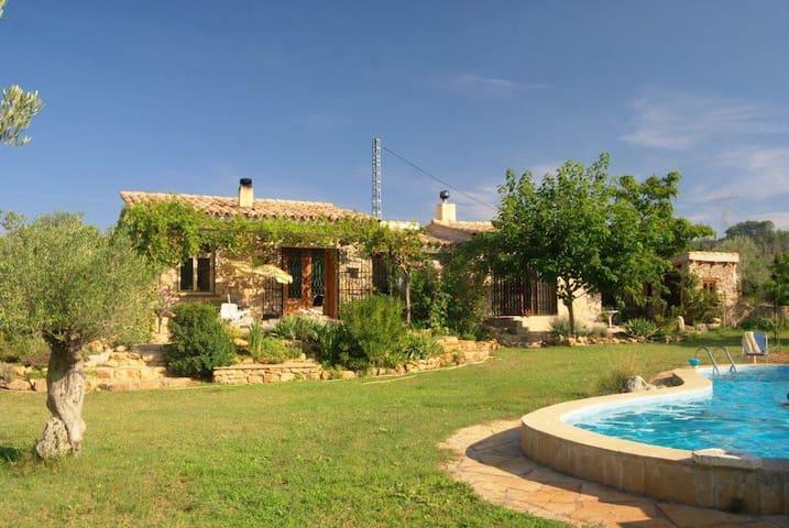 Finca rural con piscina - Sant Mateu - Chalé