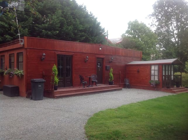 Chalet in secluded area in Gaerwen - Gaerwen - Bungalo