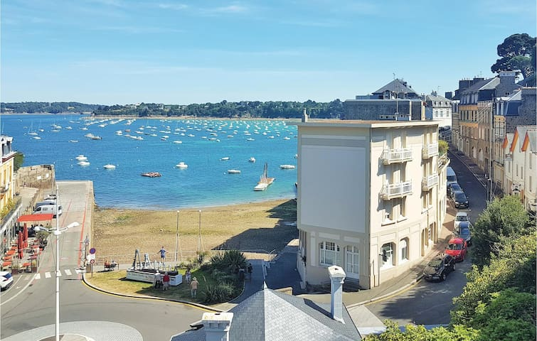 Holiday apartment with 1 room on 32m² in Dinard