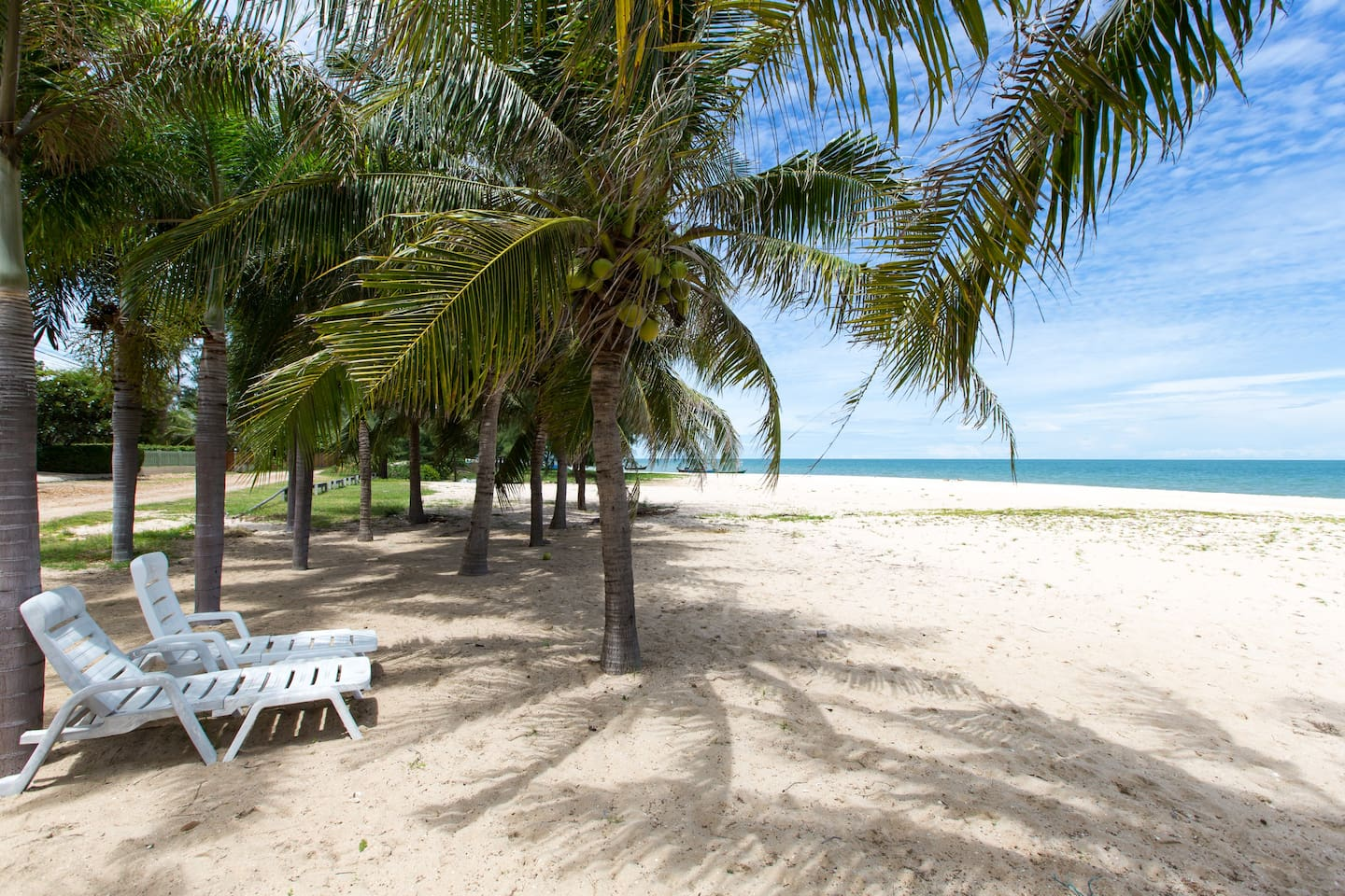 Located directly at the beautiful beach