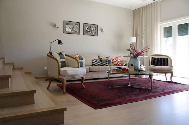 CampoReal Glamour Villa in 5* Resort, 30min Lisbon - Torres Vedras