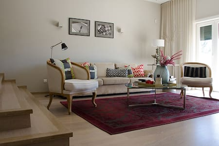 CampoReal Glamour Villa in 5* Resort, 30min Lisbon
