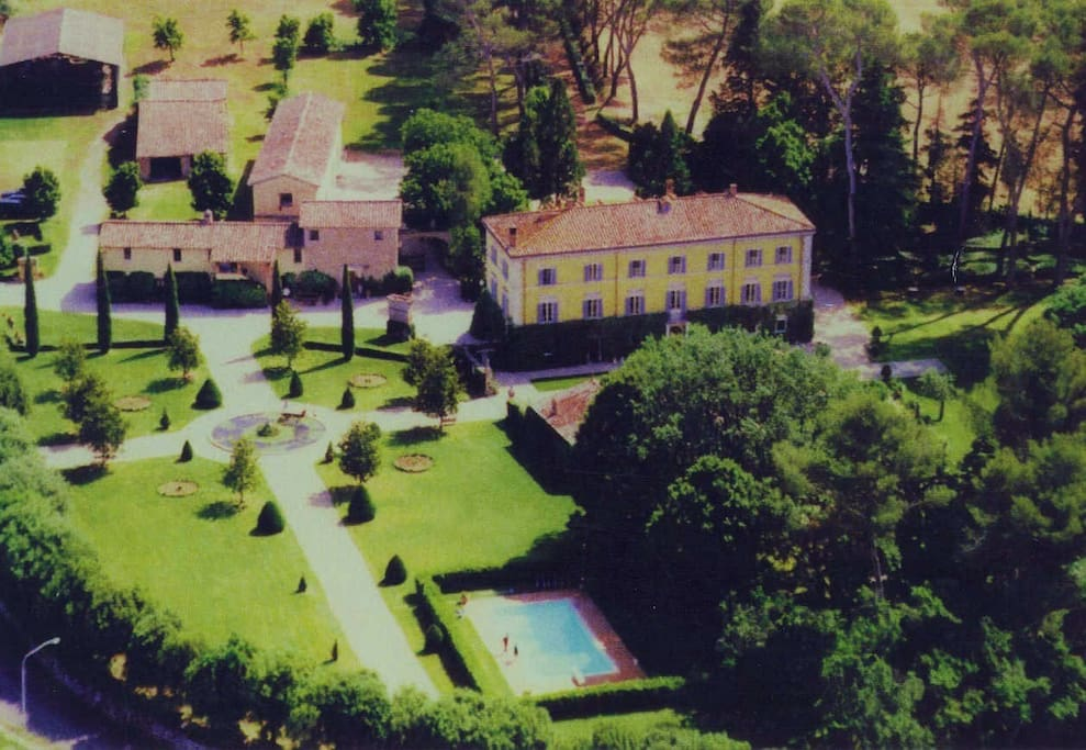 Aerial view of the Palazzo di Bagnaia and garden