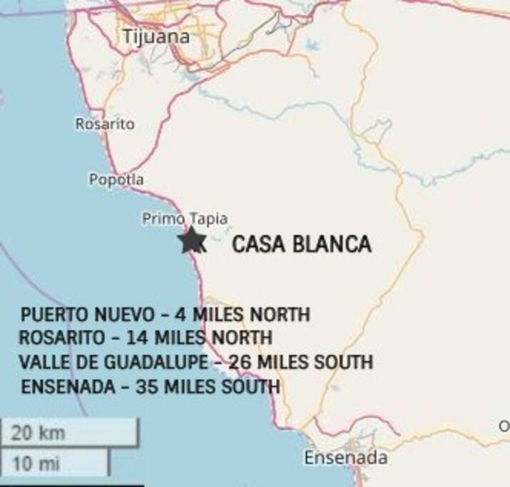 Check out the map to see how far Casa Blanca is from popular landmarks.
