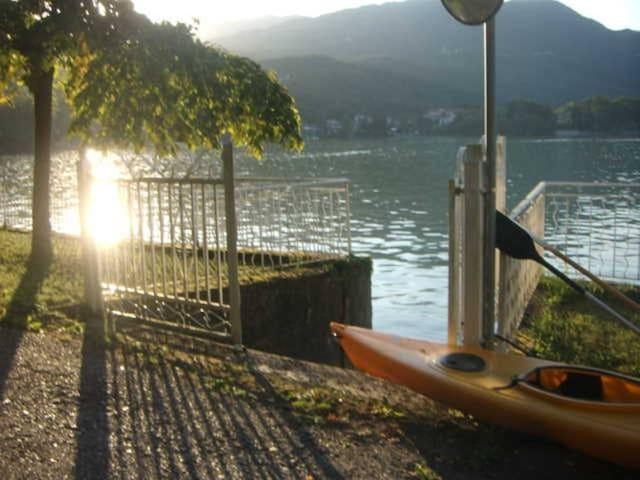 APPARTAMENTO CON TERRAZZO  sul lago  di Avigliana.
