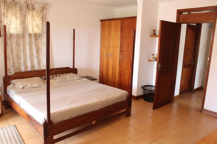 3 Bedroom Furnished Villa - Naguru - Kampala - House