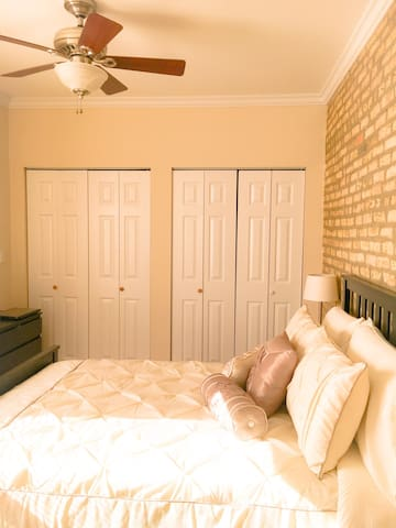 Comfortable, quiet private bedroom & bathroom