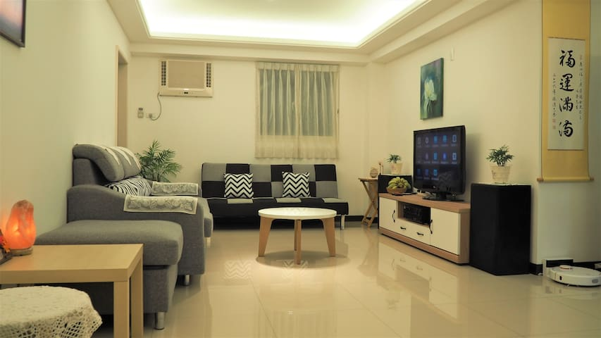 Sunny nice flat, for 4P family