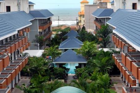 Cozy and Quite Studio Apartment on the Beach - Puri - Apartmen