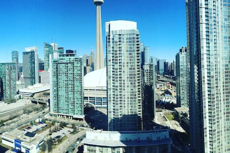 1BR Suite Beside Rogers Centre with CN Tower View - Toronto - Condominium
