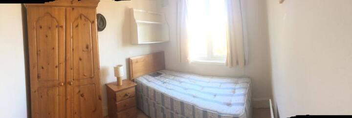 Single Room in South Ealing