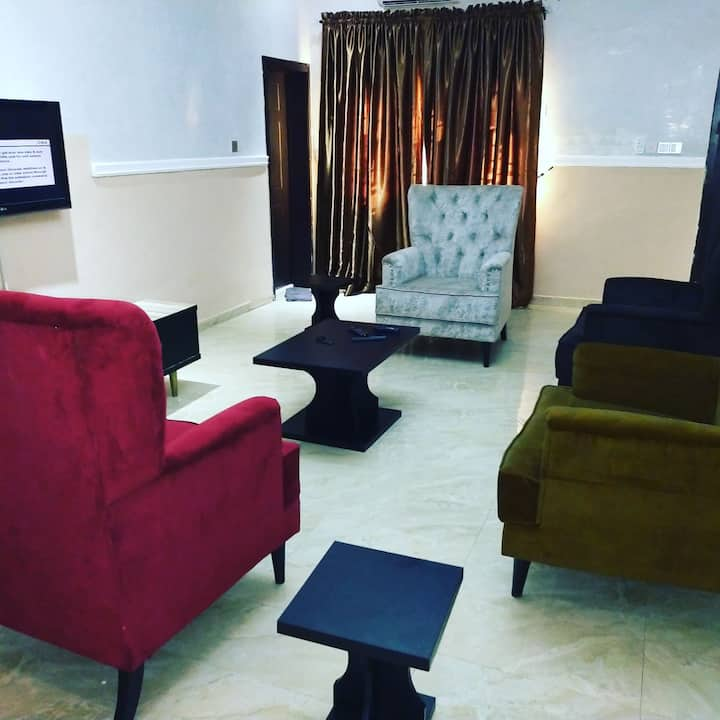 Luxurious Shortlet Serviced Apartment in Lokogoma