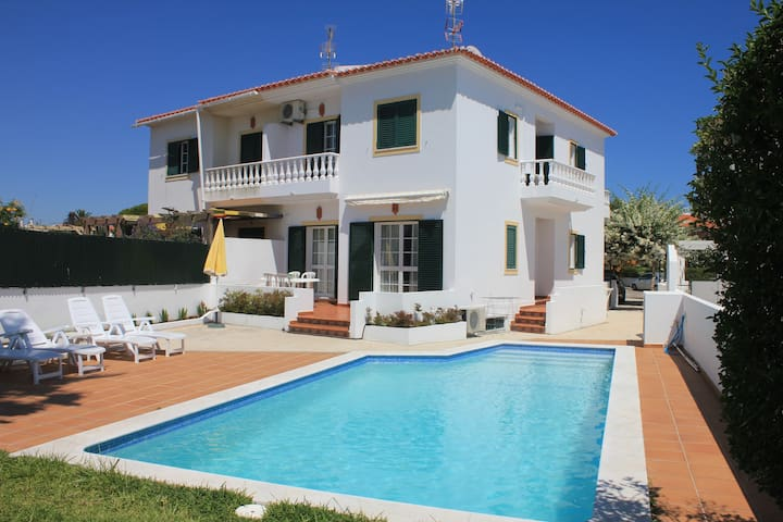 Charming Villa in a beatifull town - Altura - House