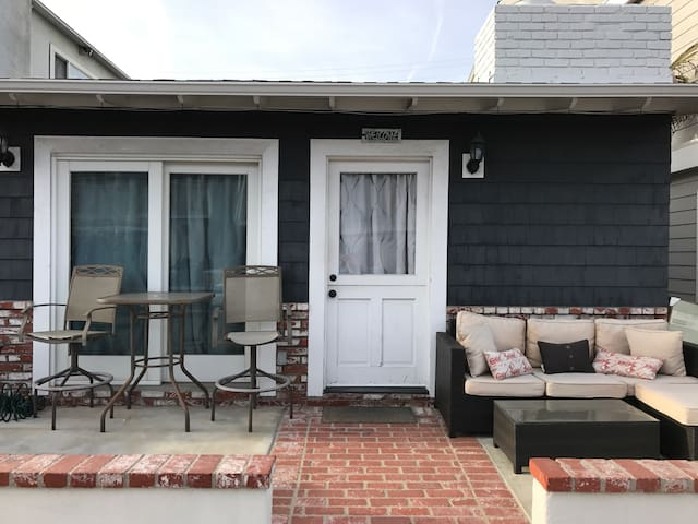 Steps to the beach with parking - Newport Beach - House