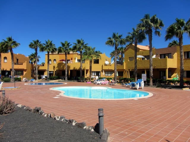 Central apartment in residence with pool - Corralejo - Apartment