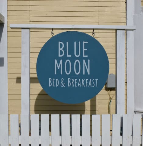 Blue Moon B&B, Main Room for 2 - Slocan - Penzion (B&B)