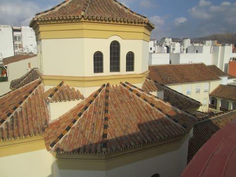 Malaga Zentrum : Zimmer + Terrasse
