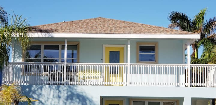 House w/ Private Pool -(Walking distance to beach