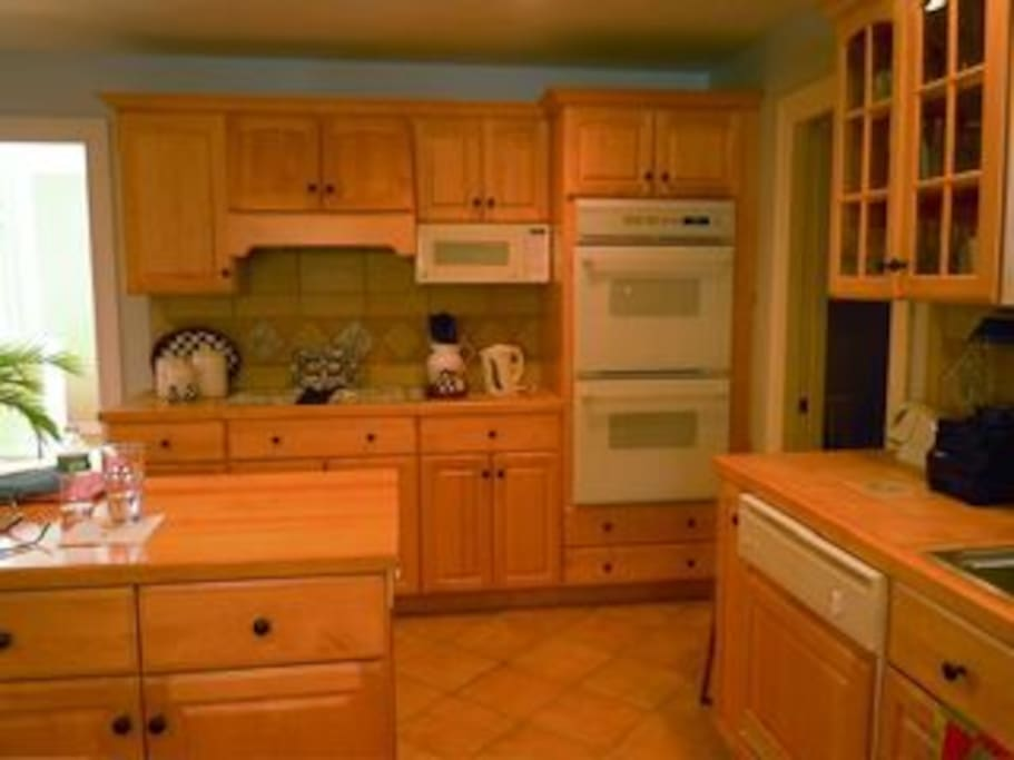 Eat in kitchen with double oven, and all major appliances