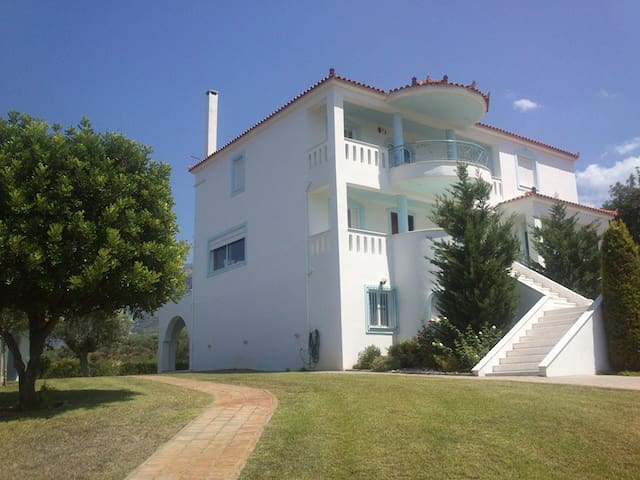 UNIQUE VILLA IN KALAMATA / MESSINIA – GREECE - Mikri Mantineia - Villa