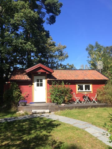 Charming cottage in Stockholm's archipelago - Åkersberga - Cabaña