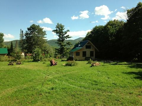 FARMSTAND GUEST HOUSE ON HOBBY FARM