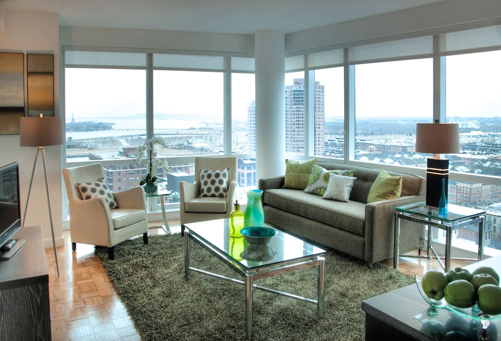 Lux jersey city waterfront 1 bedroom w pool wifi for 1 bedroom apartments in jersey city