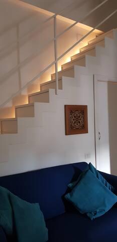 Illuminazione scala che porta in camera da letto