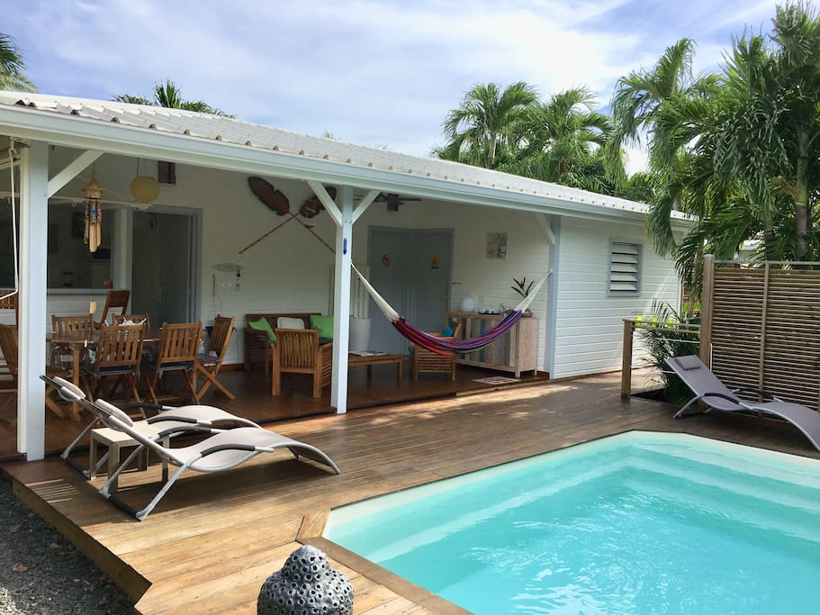Bungalow tiare priv e bungalows for rent for Beauty spa tableview