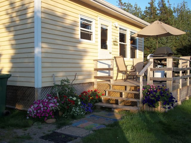 Summer Breeze Cottage - Stanhope - Chalet