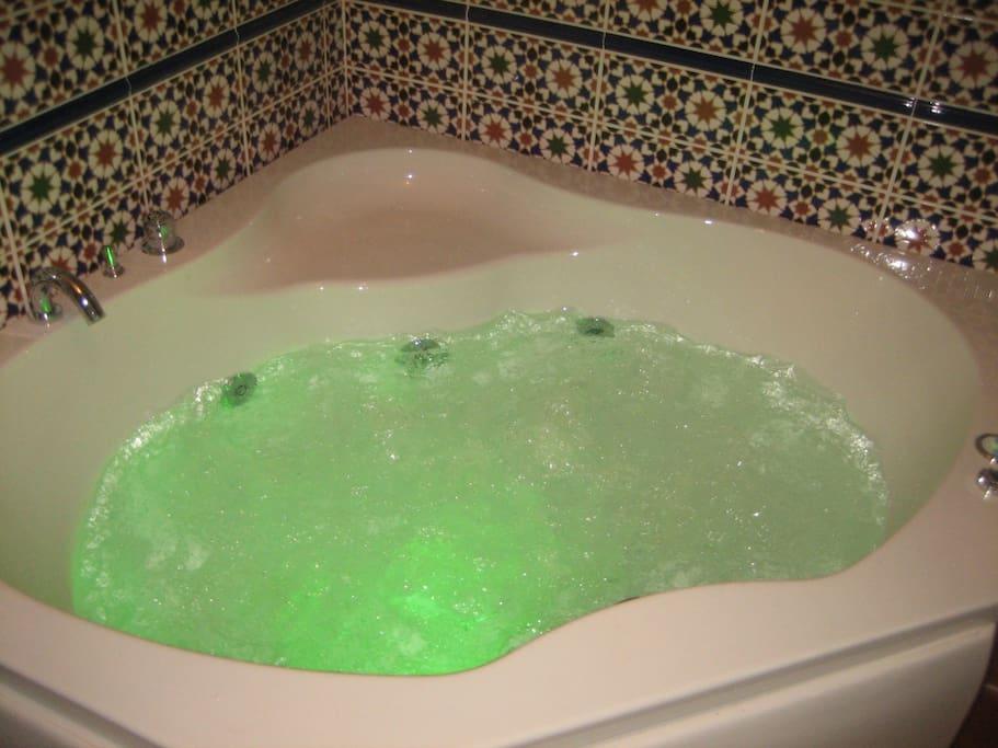 SPA  - baignoire balnéo