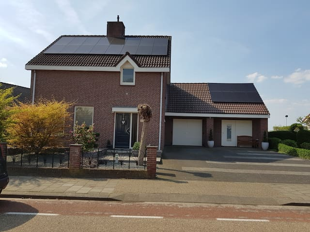 apartment with  jacuzzi/sauna near Roermond Outlet