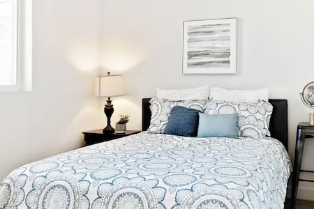 30 DAYS ONLY Clean & Disinfected Large Comfy Home
