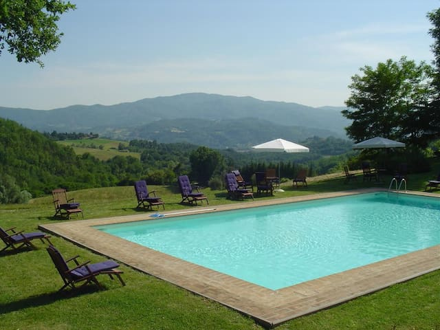 Classic villa for groups near Florence