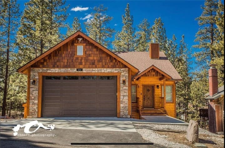 WoodSide Cabin, minutes to ski slopes and lakes