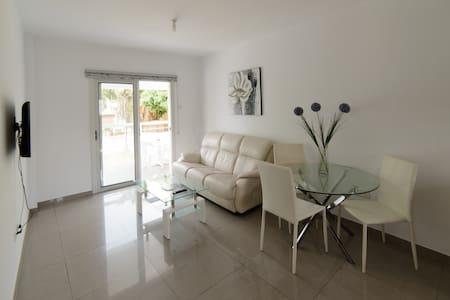 2 bedr apartment deluxe, Agia Napa, Cyprus
