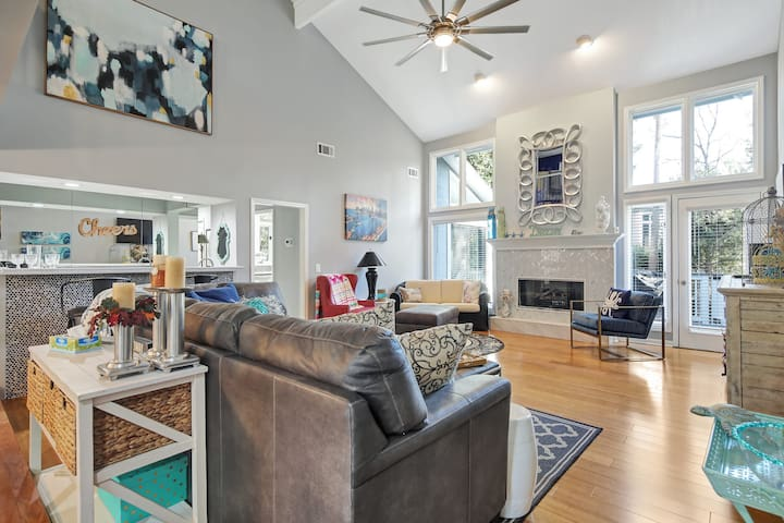 Beautiful Home in Palmetto Dunes walk to the Beach