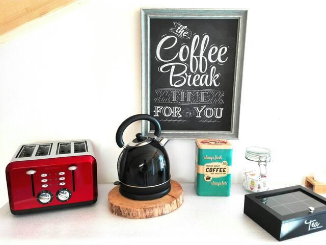 Prepare your toast, coffee or tea...