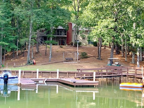 Lakeview Heights - kayaks & paddleboards included!