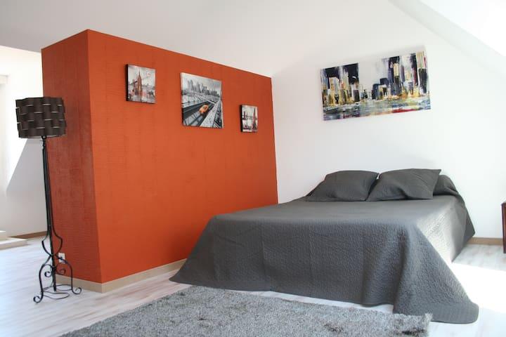 Etage  chambre 2 : 160X200