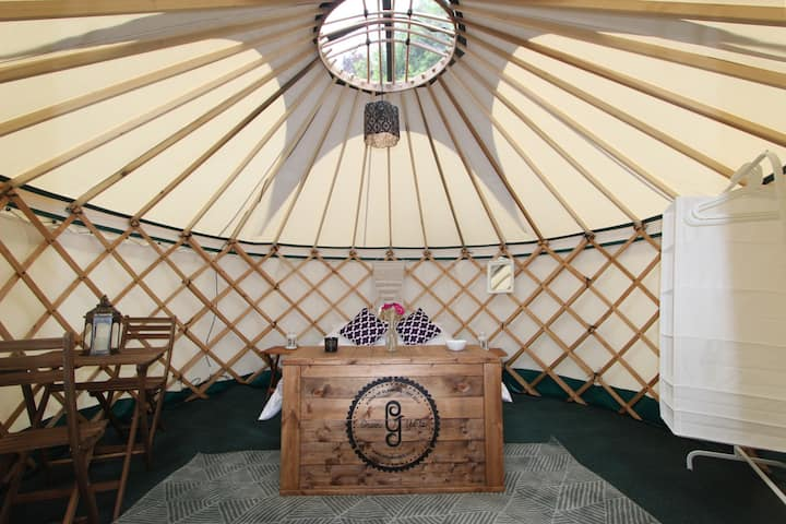 Luxurious Glamping / fully-catered 1-bed Yurt on Osea Island in Essex