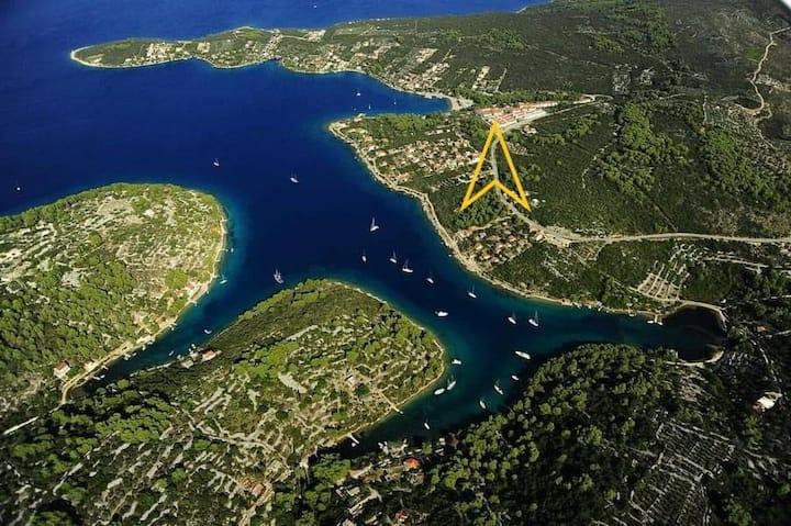 Oas i Kroatiska övärlden, Šolta/Split