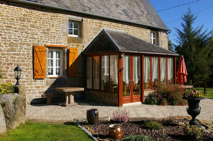 La Vitesniere Old farm house 5 bed